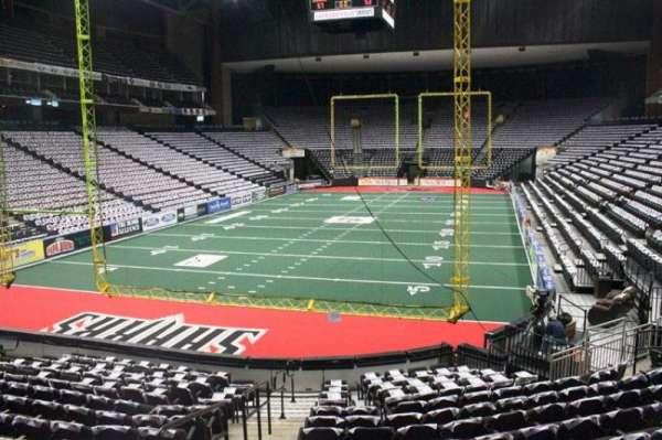 VyStar Veterans Memorial Arena, secção: 107, fila: L, lugar: 16