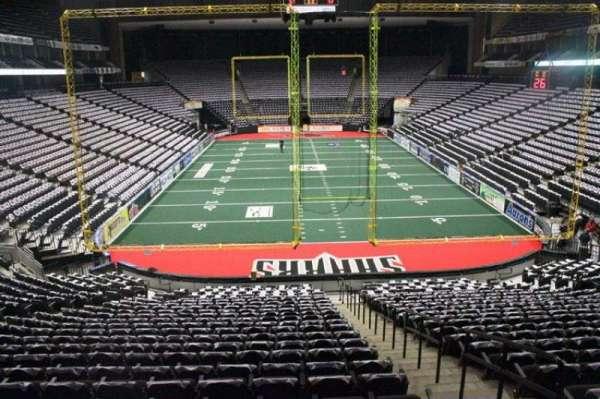 VyStar Veterans Memorial Arena, secção: 109, fila: Y, lugar: 3