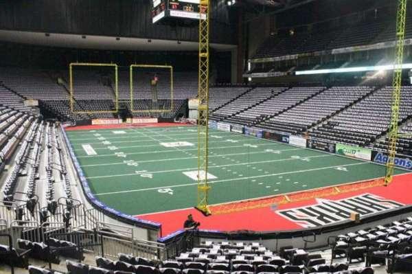 VyStar Veterans Memorial Arena, secção: 110, fila: K, lugar: 10