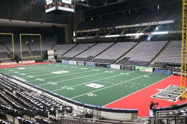 VyStar Veterans Memorial Arena, secção: 111, fila: L, lugar: 9