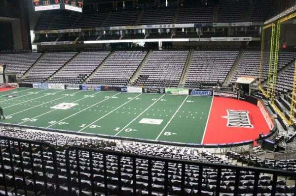 VyStar Veterans Memorial Arena, secção: 112, fila: W, lugar: 5