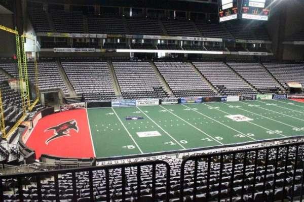 VyStar Veterans Memorial Arena, secção: 116, fila: W, lugar: 10