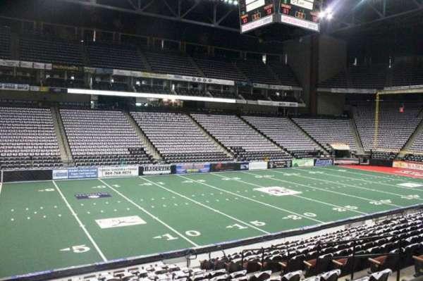 VyStar Veterans Memorial Arena, secção: 116, fila: M, lugar: 6