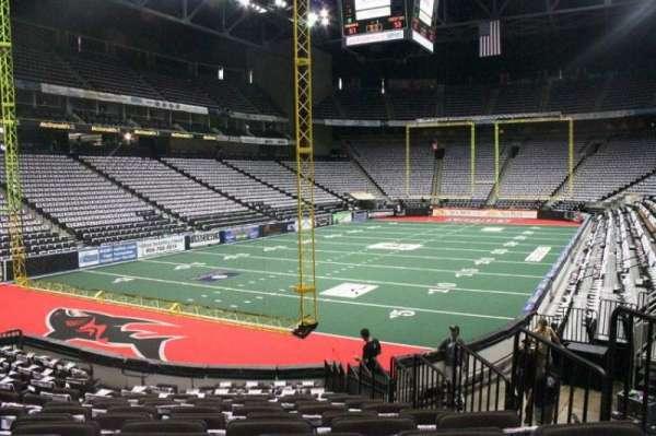VyStar Veterans Memorial Arena, secção: 118, fila: J, lugar: 4