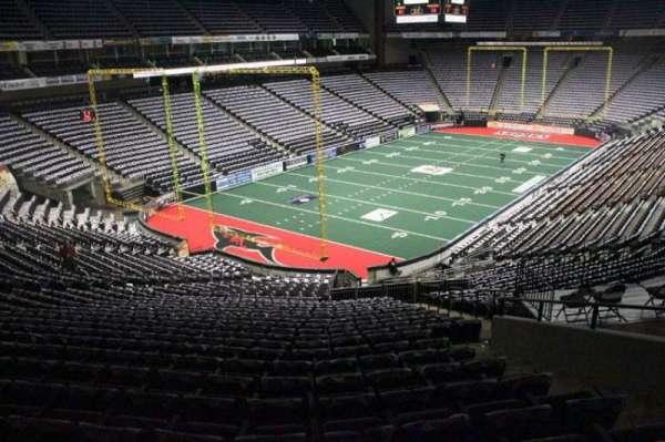 VyStar Veterans Memorial Arena, secção: 118, fila: CC, lugar: 6