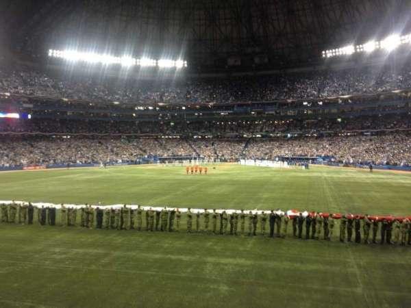 Rogers Centre, secção: 141r, fila: 1, lugar: 3