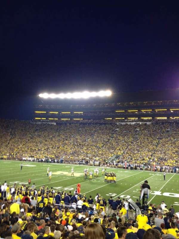 Michigan Stadium, secção: 21, fila: 21, lugar: 16