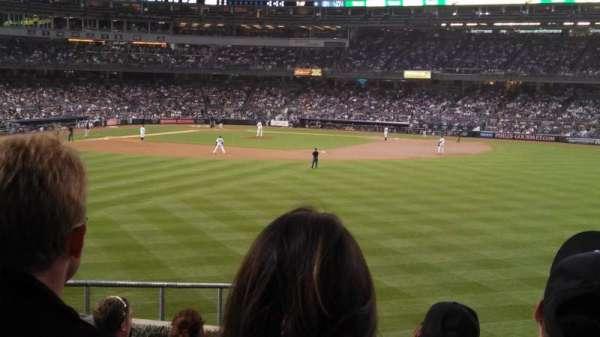 Yankee Stadium, secção: 202, fila: 11