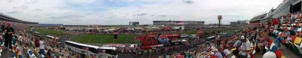 Charlotte Motor Speedway, secção: General Motors G, fila: 20, lugar: 27