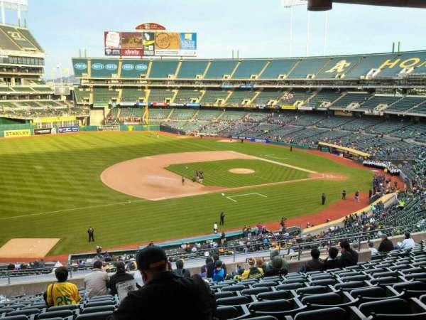 Oakland Coliseum, secção: 225, fila: 13