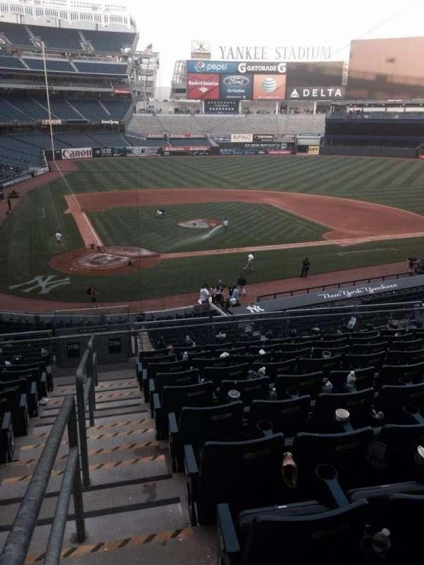 Yankee Stadium, secção: 218a, fila: 9