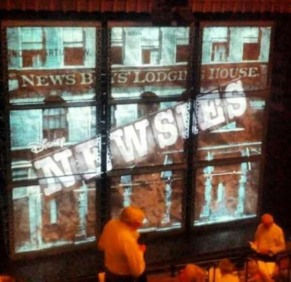 Nederlander Theatre, secção: Rear Mezzanine - Left, fila: LL, lugar: 13