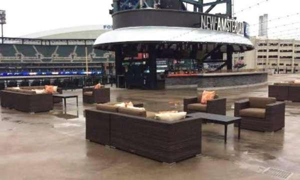 Comerica Park, secção: Pepsi Porch, fila: New Amsterda, lugar: Open Air Seat