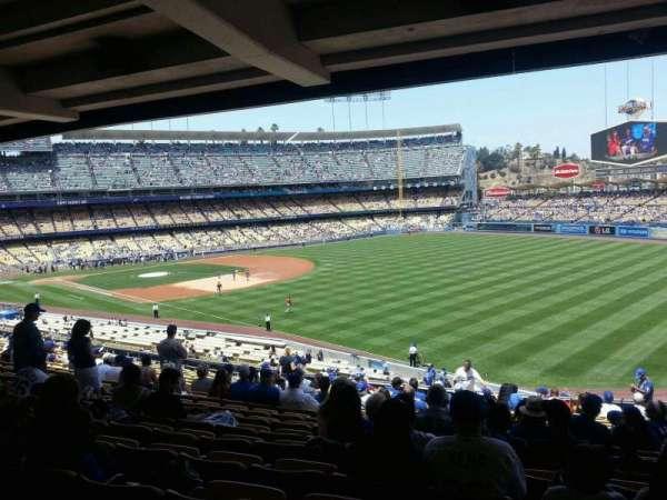 Dodger Stadium, secção: 160LG, fila: T, lugar: 14