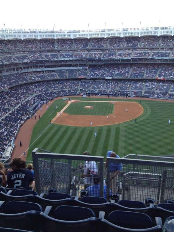 Yankee Stadium, secção: 405, fila: 12, lugar: 16