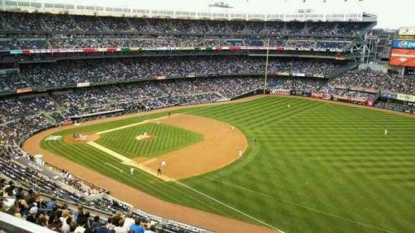 Yankee Stadium, secção: 412, fila: 3, lugar: 9