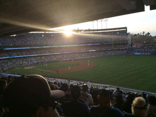 Dodger Stadium, secção: 154LG, fila: t, lugar: 17