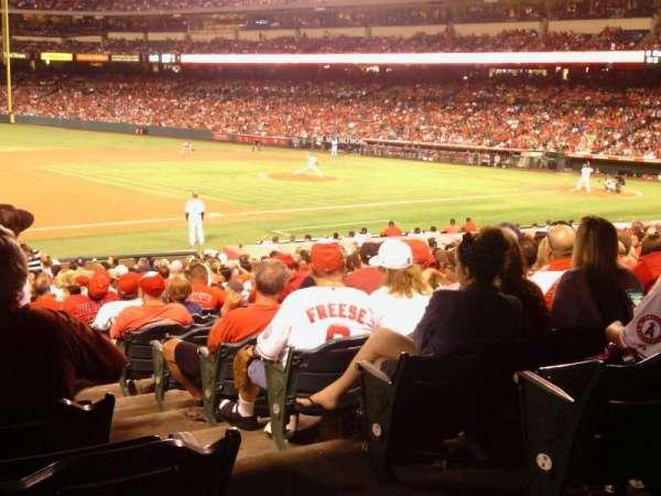 Angel Stadium, secção: 109, fila: Y, lugar: 17
