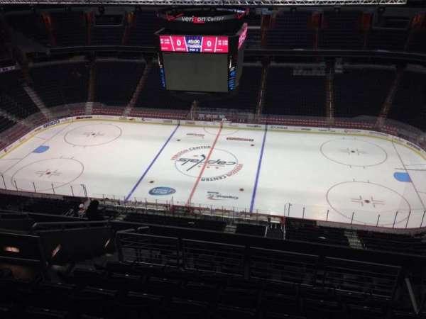 Capital One Arena, secção: 401, fila: M, lugar: 9