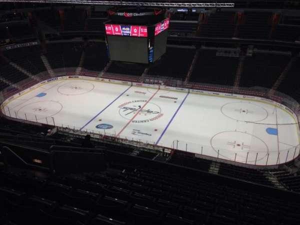 Capital One Arena, secção: 402, fila: M, lugar: 9