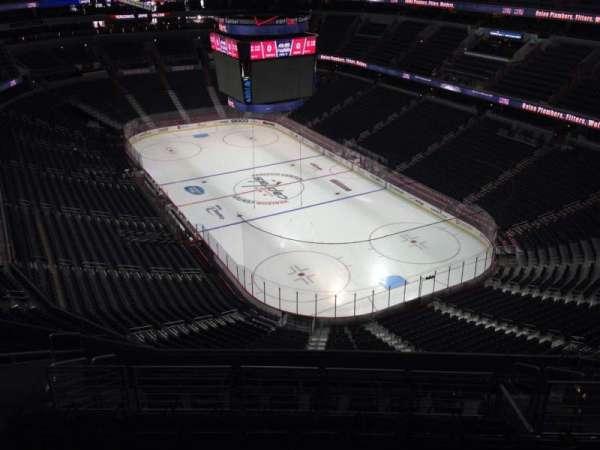 Capital One Arena, secção: 406, fila: M, lugar: 11