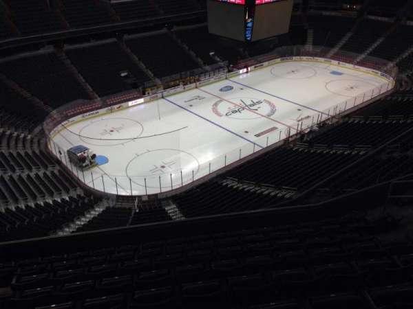 Capital One Arena, secção: 413, fila: J, lugar: 9