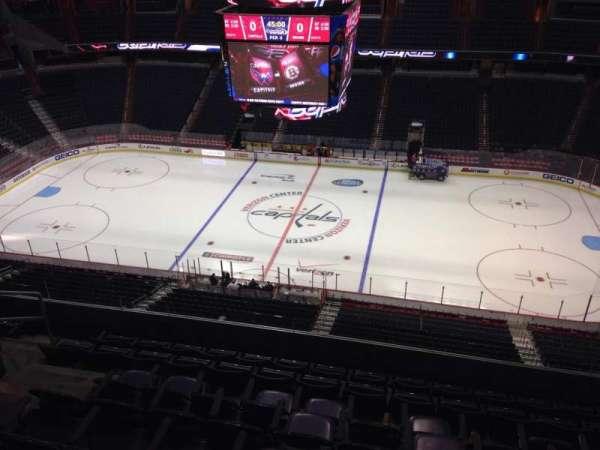 Capital One Arena, secção: 418, fila: H, lugar: 9