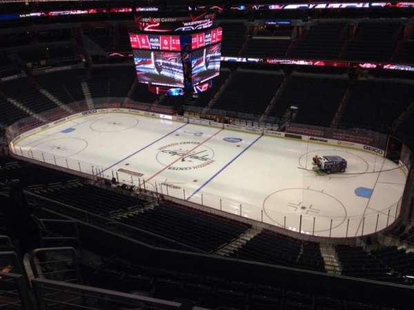 Capital One Arena, secção: 420, fila: H, lugar: 10