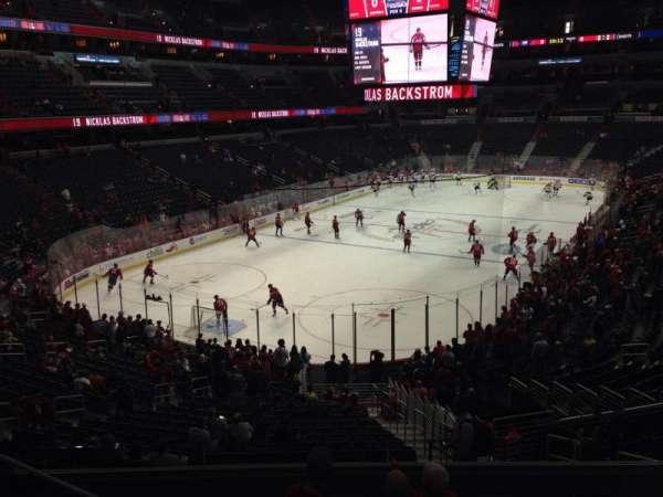 Capital One Arena, secção: 118, fila: Y, lugar: 17