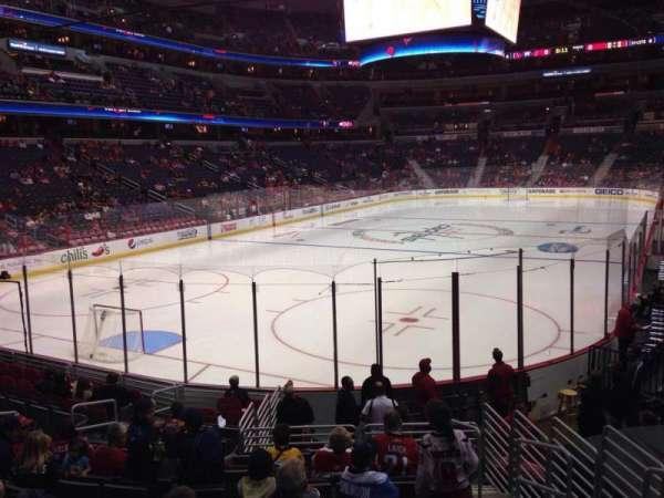 Capital One Arena, secção: 118, fila: O, lugar: 13