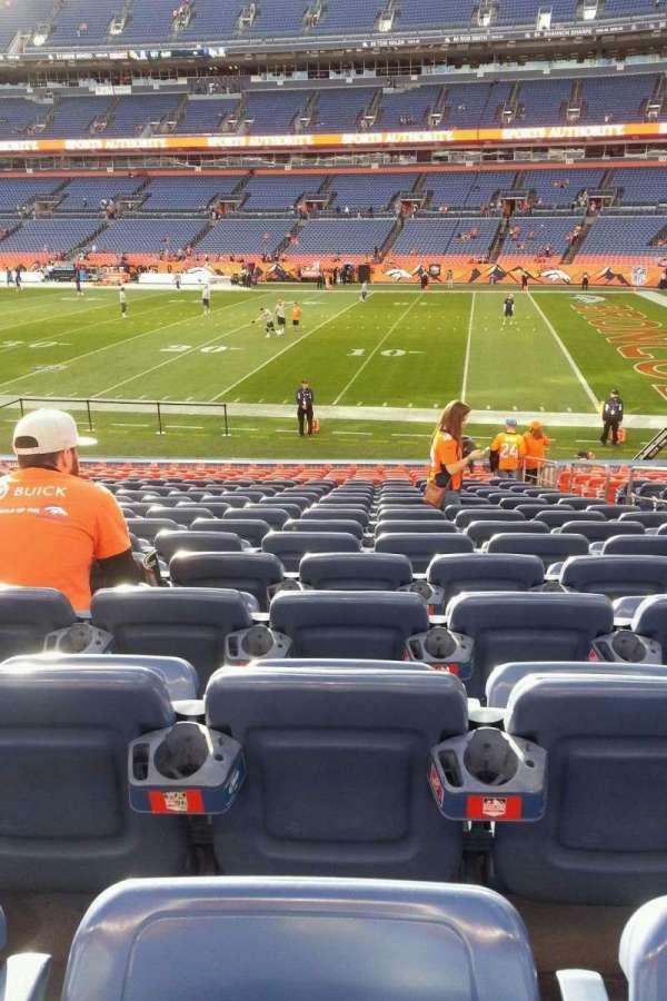 Broncos Stadium at Mile High, secção: 120, fila: 19, lugar: 5