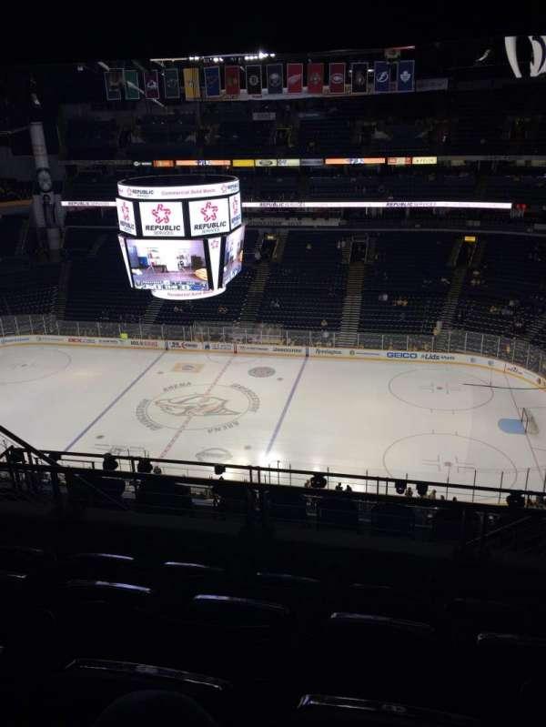 Bridgestone Arena, secção: 327, fila: K, lugar: 8