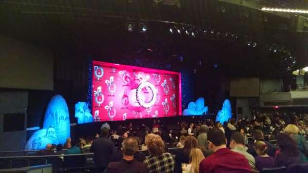 Hulu Theater at Madison Square Garden, secção: 203, fila: F, lugar: 1