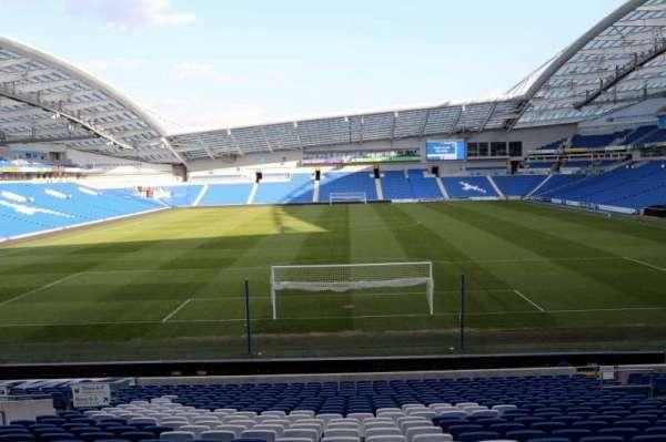 American Express Community Stadium, secção: N1E, fila: T