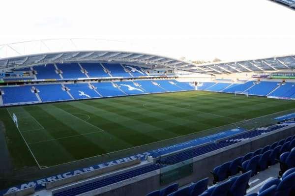 American Express Community Stadium, secção: W2I, fila: E