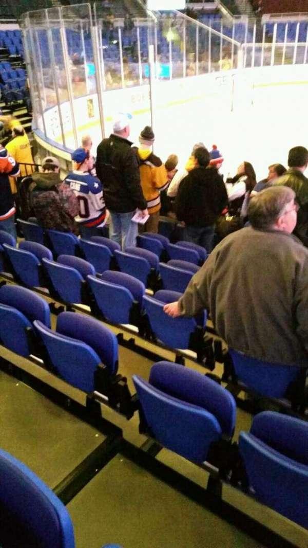 Old Nassau Veterans Memorial Coliseum, secção: 118, fila: f, lugar: 6