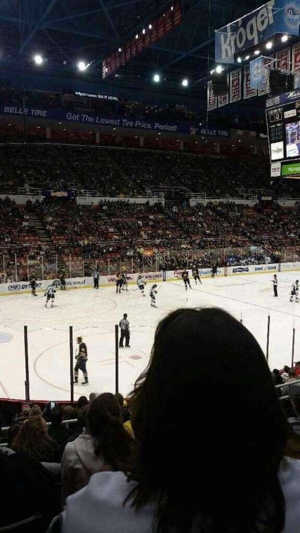 Joe Louis Arena, secção: 111, fila: 15, lugar: 7