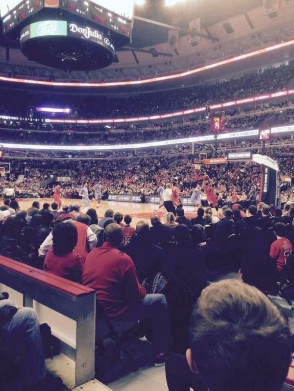 United Center, secção: 109, fila: 2, lugar: 16