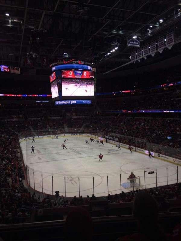 Capital One Arena, secção: 115, fila: X, lugar: 15