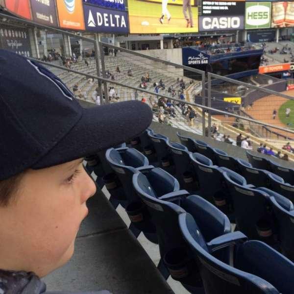 Yankee Stadium, secção: 234, fila: 11, lugar: 19