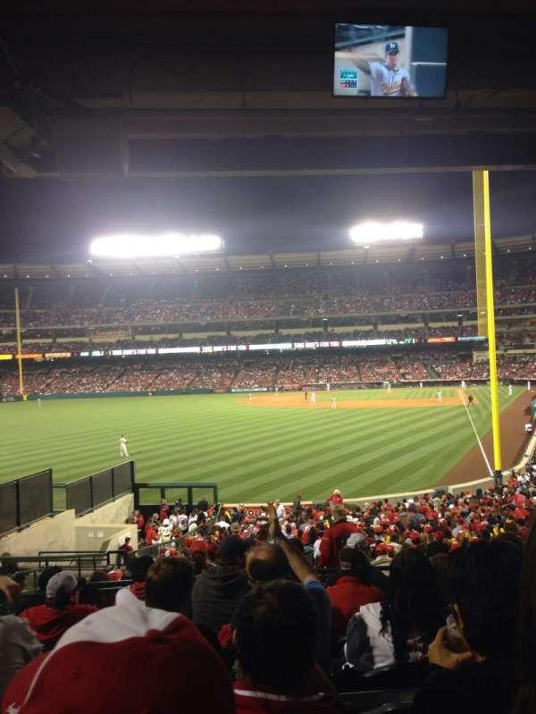 Angel Stadium, secção: T201, fila: G, lugar: 4