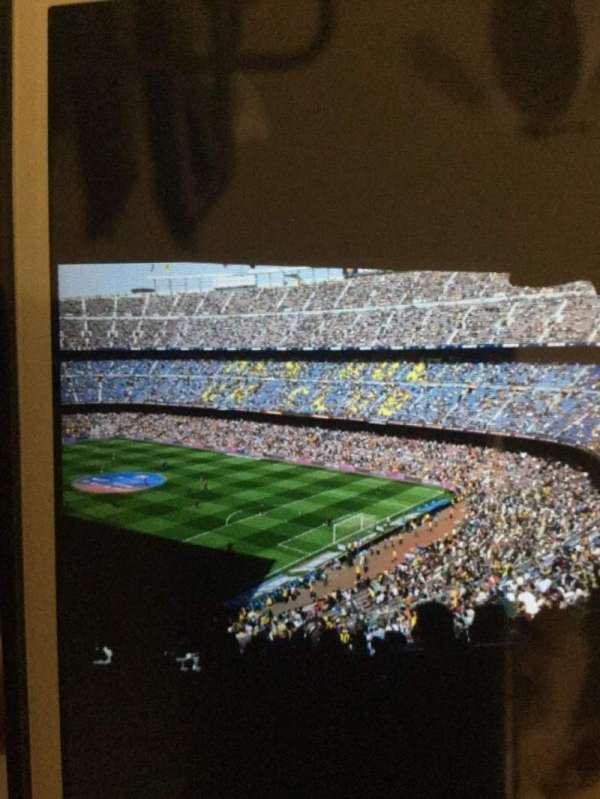 Camp Nou, secção: 33, fila: 23, lugar: 1