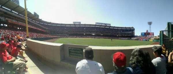 Angel Stadium, secção: F135, fila: BB, lugar: 2