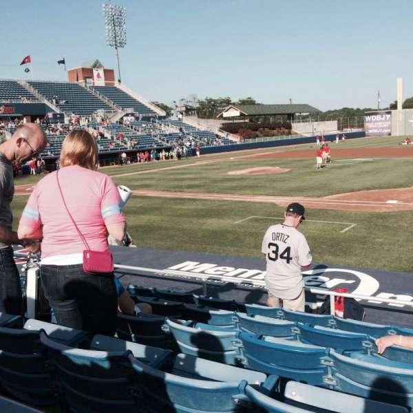 Salem Memorial Baseball Stadium, secção: 113, fila: H, lugar: 10