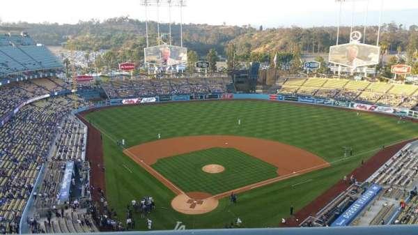 Dodger Stadium, secção: 4TD, fila: A, lugar: 2