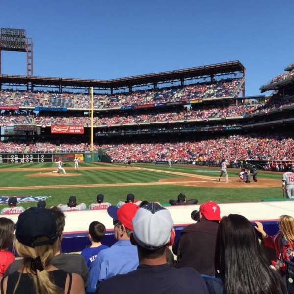 Citizens Bank Park, secção: 130, fila: 5, lugar: 3