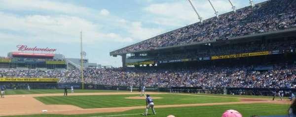 Kauffman Stadium, secção: 119, fila: e, lugar: 5