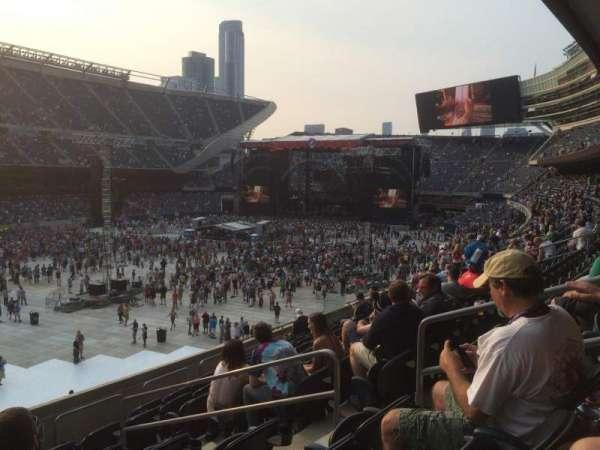 Soldier Field, secção: 215, fila: 9, lugar: 6