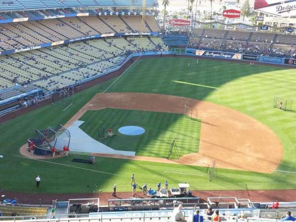 Dodger Stadium, secção: 14RS, fila: AA, lugar: 19