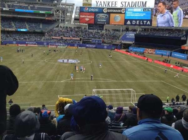Yankee Stadium, secção: 214A, fila: 12, lugar: 14